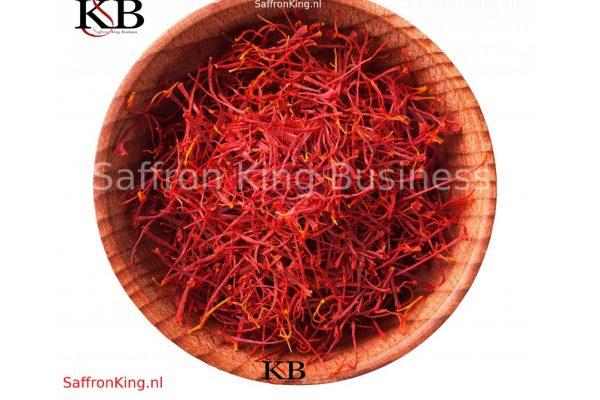 Prices of saffron . How much saffron can kill you?